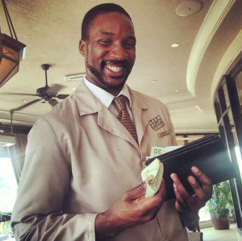 The Game Tips Waiter 6000 dollars